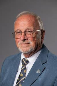 Profile image for Councillor Mike Howland